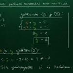 Yhtälöryhmä, kun yhtälöitä enemmän kuin muuttujia