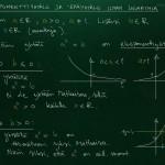 Eksponenttiyhtälöiden teoriaa