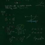 Eksponenttiepäyhtälö ilman logaritmia